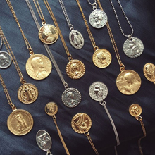 Gold Silver Color Round Coin Pendant Necklace for Women Simple Portrait Charm Necklace Dainty Layering Necklaces Gifts