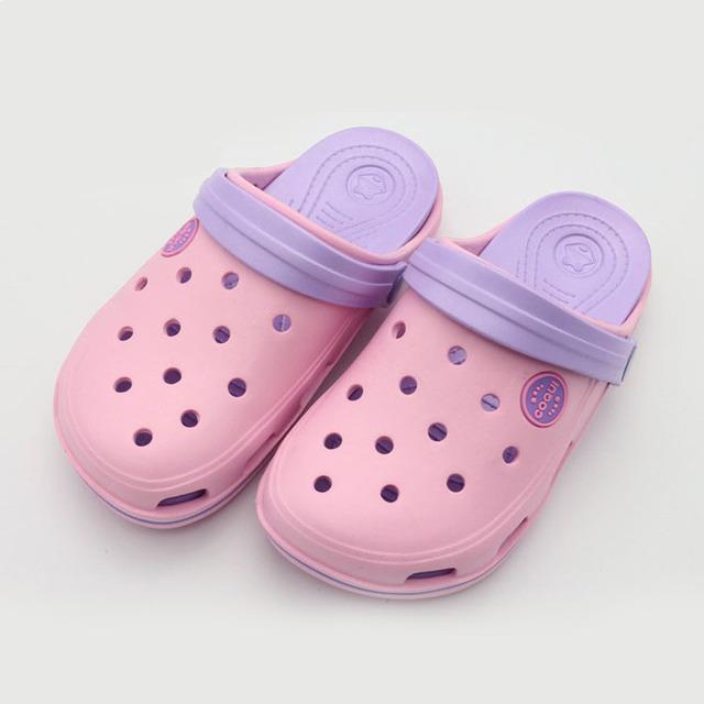 2017 cores doces verão meninas tamancos eva deslizamento em crianças meninas sandálias de praia respirável buracos crianças eva sandálias verão shoes