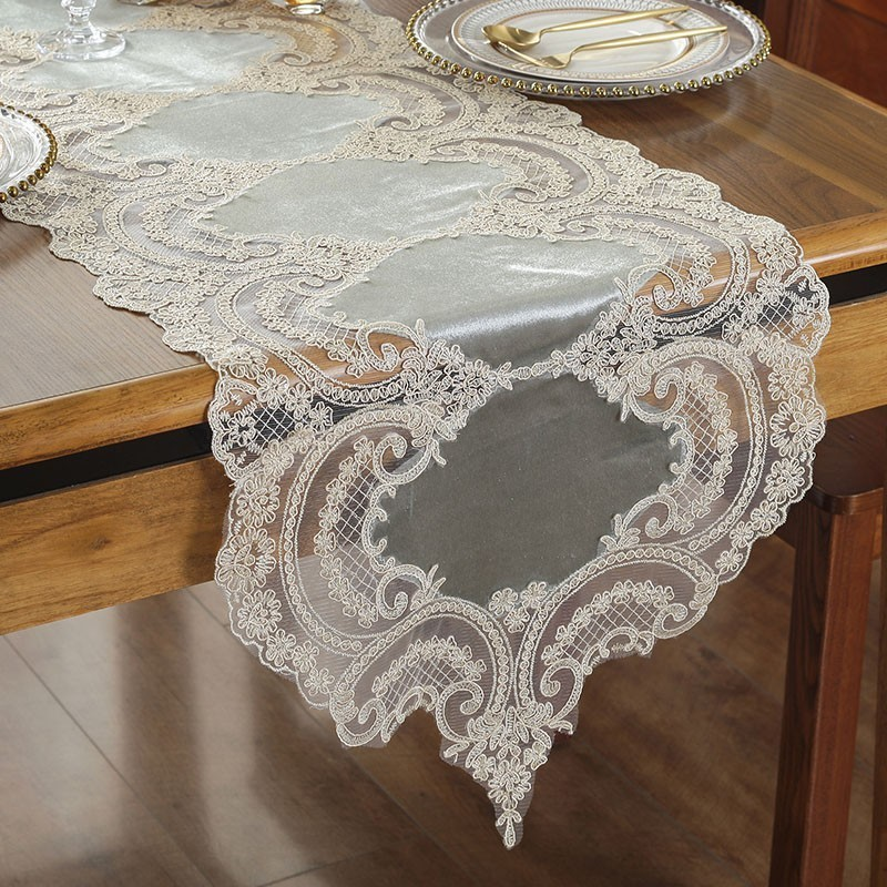 Luxury European Embroidery Christmas Table Runner Tassel Fine Lace Desk Flag TV Cabinet Fabric Yellow Classical Tablecloth Decor