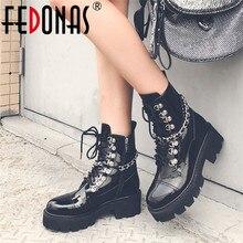 FEDONAS 2020 جديد جولة اصبع القدم عالية الكعب النساء حذاء من الجلد الدانتيل يصل براءات الاختراع والجلود أحذية بوت قصيرة الشرير منصة حزب النادي الليلي أحذية