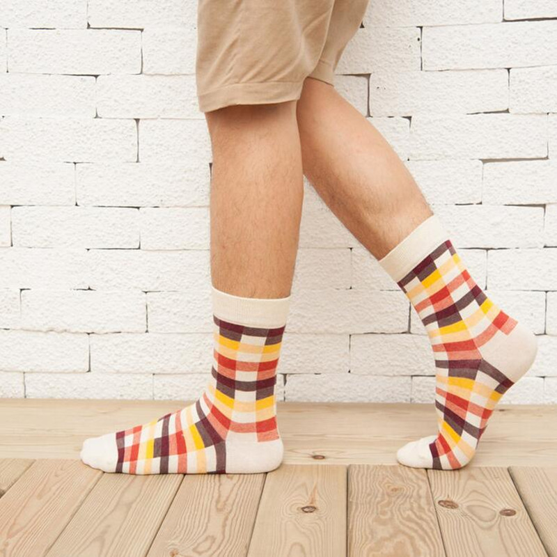 1 Pair New fashion Autumn Winter Cotton Men Socks Korean Classic Plaid casual cotton Socks
