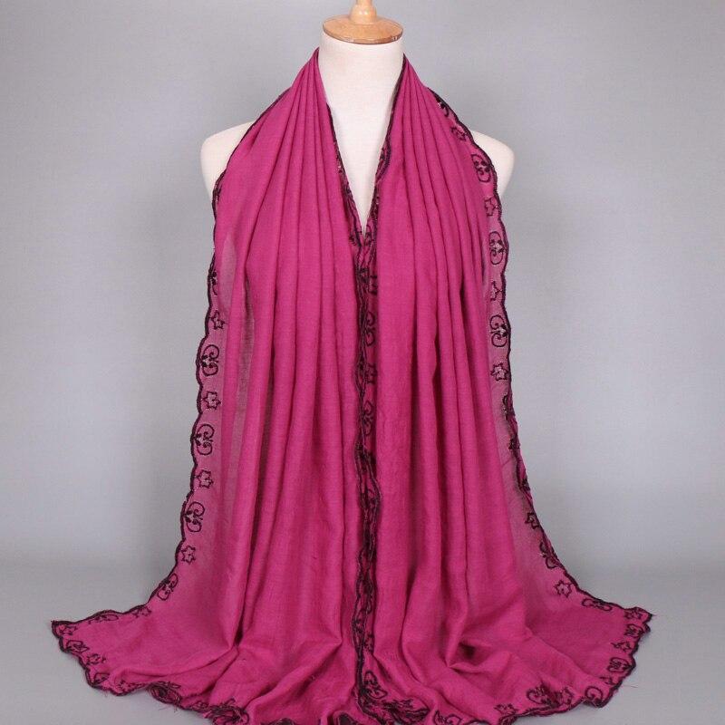 Vente chaude femmes de Luxe broder floral coton De Mode dentelle écharpe  hijab longue musulman automne wrap foulards châles 10 pcs lot c0bf7a8125b
