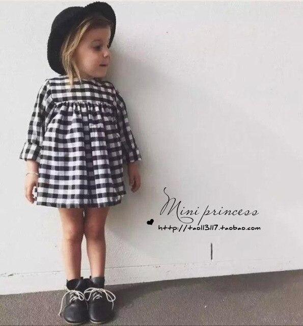 9748152b01 2017 Printemps classique noir et blanc à carreaux fille bébé robe enfants  robe pour les filles