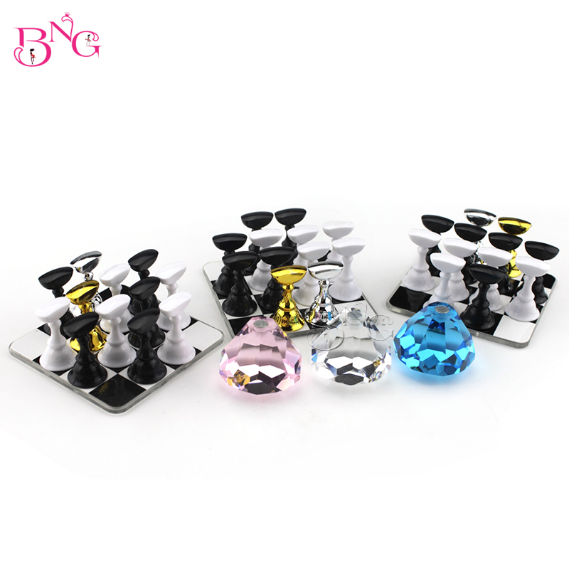BNG 1Set Square Chess Board Magnetic Display Nail Art Tip Acrylic Stand Nail Tips Practice Stand