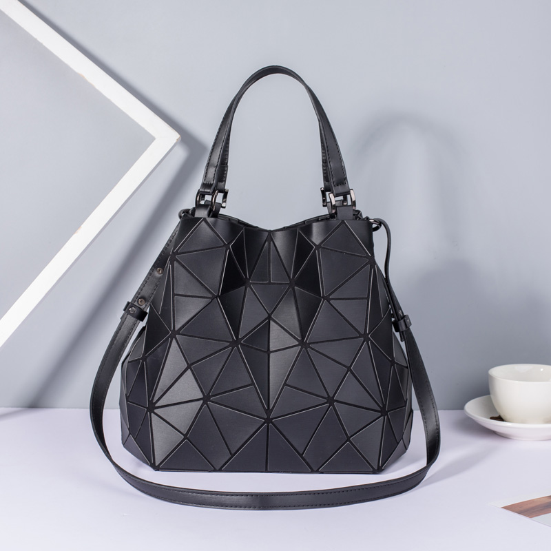 Image 2 - New Women Bags Luminous Handbag Plain Folding Geometric Messenger Bag Female Tote Casual Hologram Women Shoulder Bags Bao Bag-in Shoulder Bags from Luggage & Bags