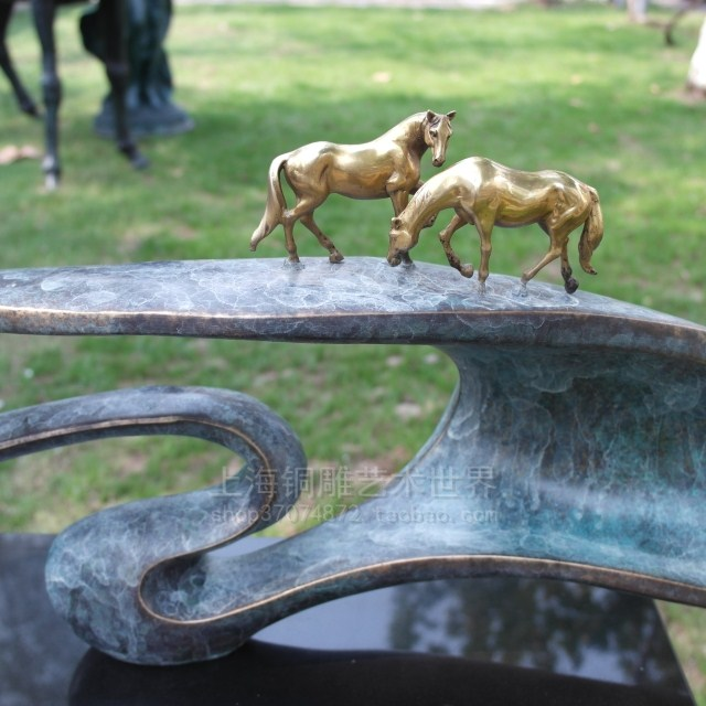 A horse sculpture bronze sculpture art abstract Craft Hotel Home Furnishing gift decoration copper in Statues Sculptures from Home Garden