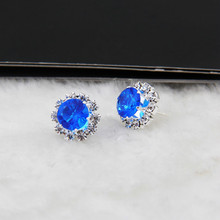 2018 new Korean version of the best selling earrings claw flowers round zircon female jewelry wholesale 1 pair