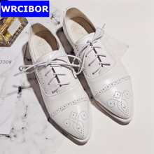 BIG SIZE 33-43 Pointed toe Flat Oxford Shoes Woman flats white 2017 Fashion Vintage Fretwork British style Brogue Oxfords shoes