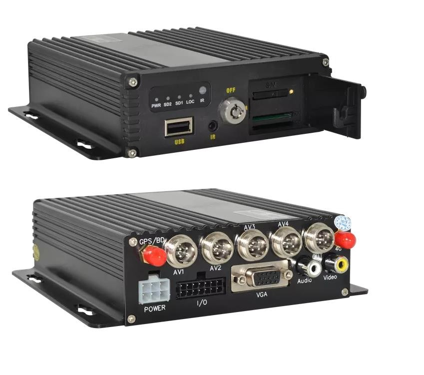 Équipement de surveillance de véhicule DVR MOBILE AHD 4CH carte SD enregistreur vidéo de voiture AV/RCA interface NTSC/PAL
