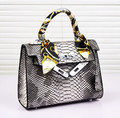 New 2014 women messenger bags Crocodile grain bag hand diagonal package Platinum package