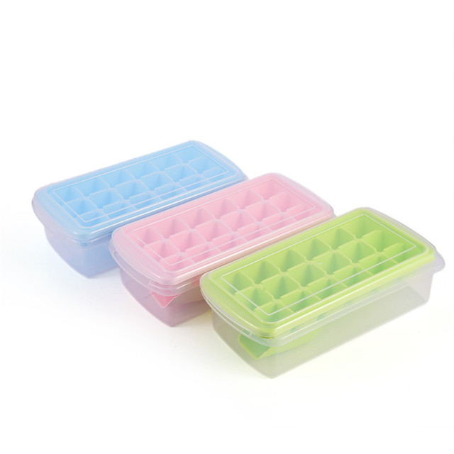 18 Cavity Large Ice Cube Tray Mold With Scoop And Lid Cubic Shape FDA Grade  Plastic