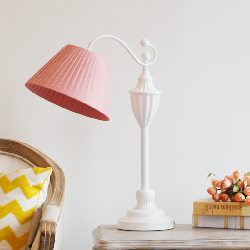 European Style Lovely Pink Table Lamp for Bedroom, Living Room, Warm Country, Nordic Table Lamp, Family Iron Princess Desk Lamp european style retro table lamps mediterranean solid wood table lamp living room lamp bedroom lamp country table lightin lu71363