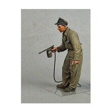 resin assembly Kits 1 35 German tank crewmen painting soldier Summer Unpainted Kit Resin Model Free