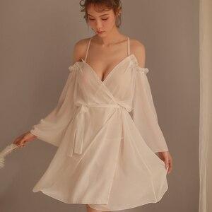 Image 1 - Sexy Lace Suspender Solto Sleepwear Baixo Peito Princesa Longo da Mulher Dormindo Lingerie Low cut Correias Camisola Camisola