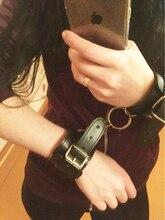 Искусственная Кожа наручники блокировка Ведомые Наручные Сдержанность Сексуальный Костюм наручники взрослые игры фетиш Секс игрушки для эротического Женщин мужчины пары