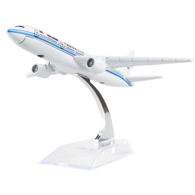AIR CHINA Boeing 777 PLANE MODEL 16cm alloy metal airplane models child Birthday gift chiristmas gift plane models Free Shipping