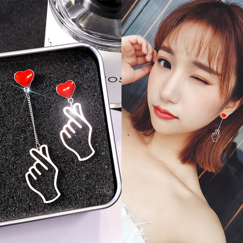 Punk Statement Asymmetric Earrings Hand Love Heart Long Earrings for Women Ear Studs Party Wedding Jewelry Pendientes image