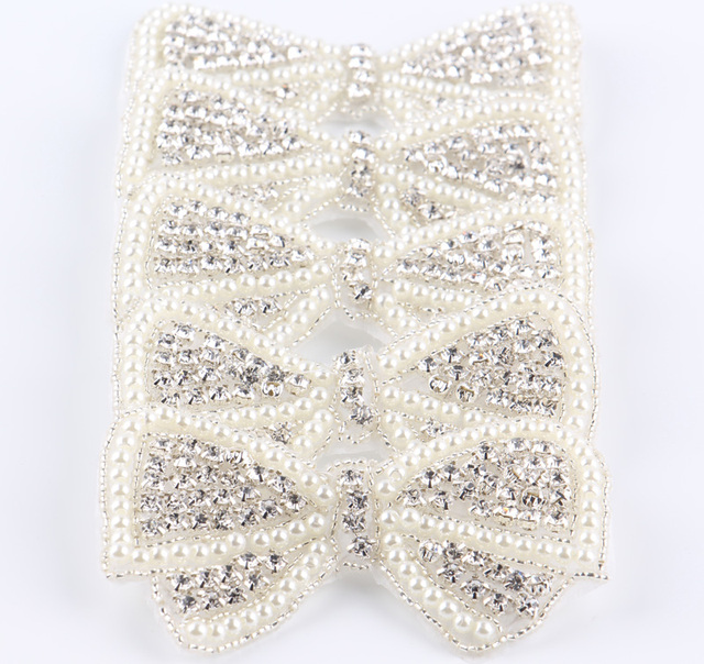 (10pcs lot)Lovely Bows Shape Crystal Pearl Rhinestone Appliques Patch Sew  On Hot-Fix Beaded Rhinestone Trim For Girl Dress 59fd9505f02e