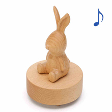 Send creative birthday gift small boutique Christmas New Year gift for the children's Friends Wooden Sky City Music Box
