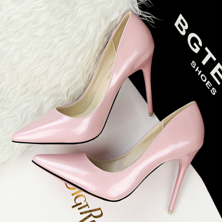 10cm nude color pointed heels Fine with In the summer with the female nude pink patent leather shoes shallow mouth