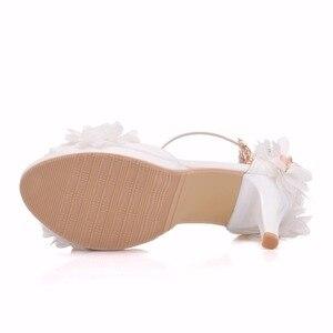 Image 4 - Crystal Queen chaussures de mariée, talons hauts, escarpins papillon, avec fleurs en dentelle, poignets, soirées, été