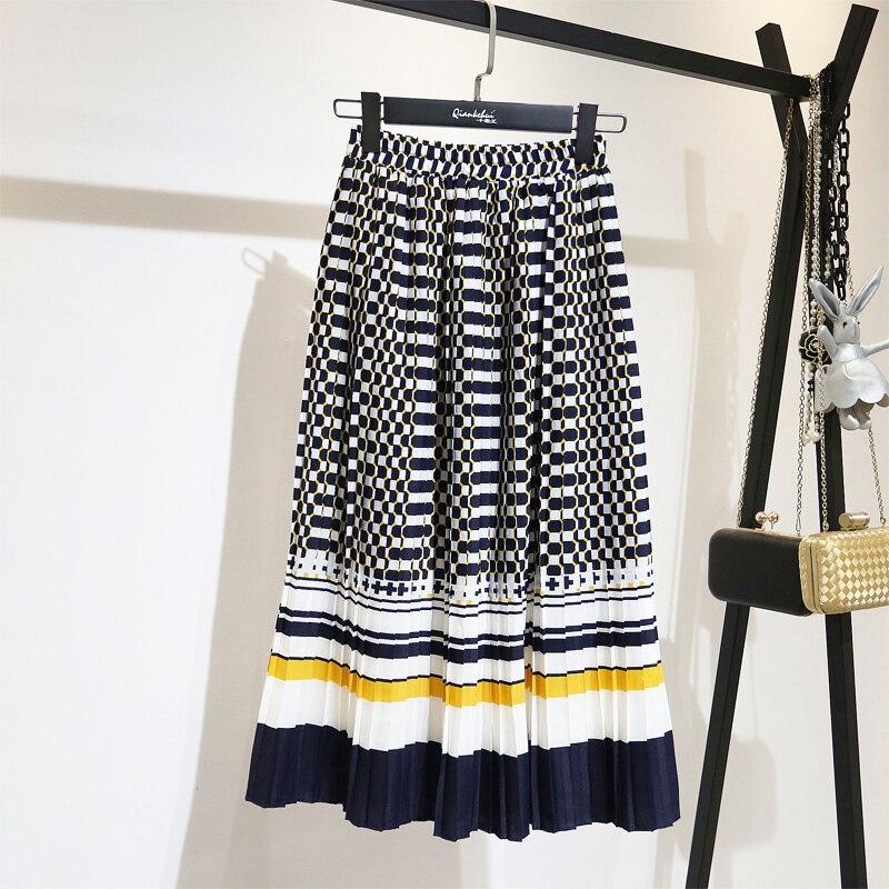 LANMREM 2020 Spring Fashion New Black White Dot Contrast Color Pleated Elastic High Waist Skirt All-match Female's Bottoms YF129