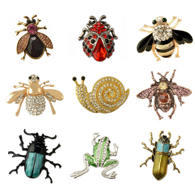 MZC 9 Styles Insect Bee Frog Brocher Pin Kvinde Hijab Pin Snegle Beetle Broche Male Suit Lapel Pin Animal Crystal Strass Broche