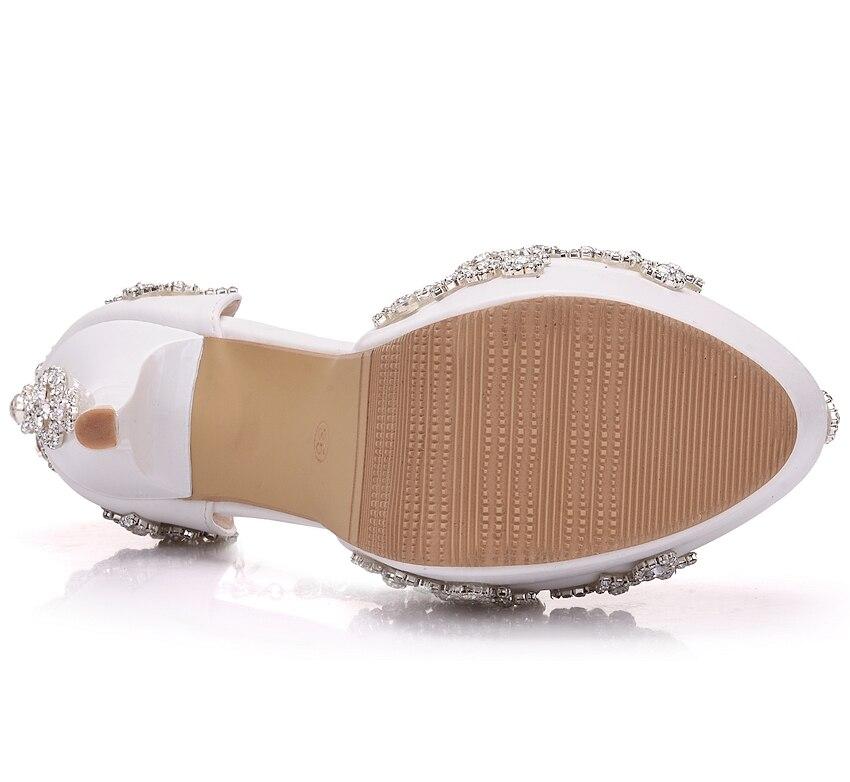 Mariage forme Hauts De Doux Strass Plate Chaussures Talons Sandales Mode Luxe Femmes Reine Cristal Pompes Cales White Nouvelle naw76qz8