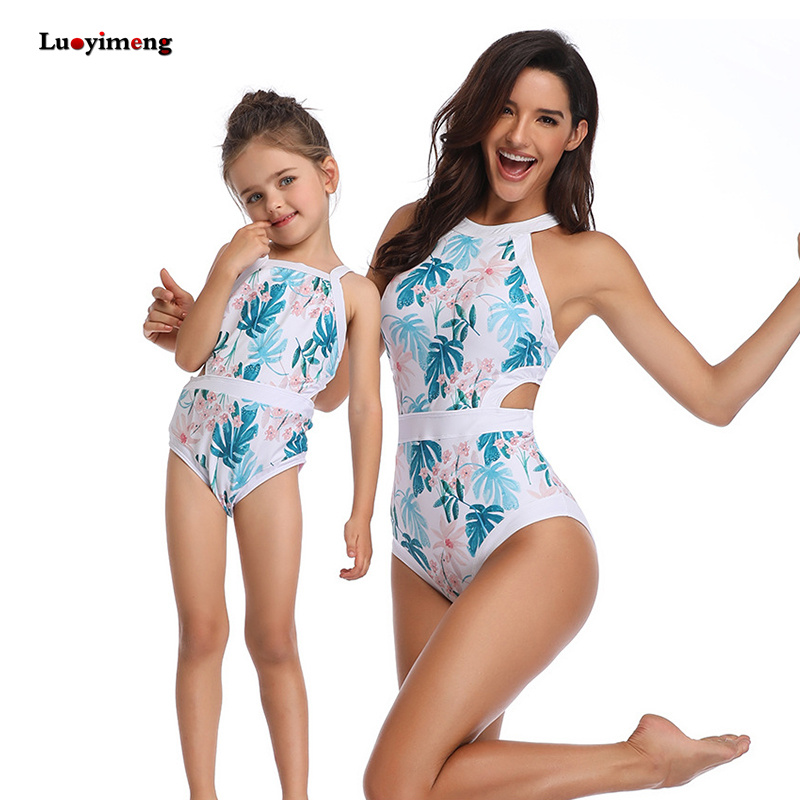 Mother Kids Swimwear Summer Fashion Mother Daughter Clothes Family Matching Outfits Girls Bikini Bathing Suit Onepiece Beachwear