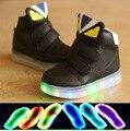 Nuevo 2017 European fashion iluminado bebé botas Lindos conejos del oído de labios decoreated niños zapatillas Cool zapatos de bebé Divertido envío libre