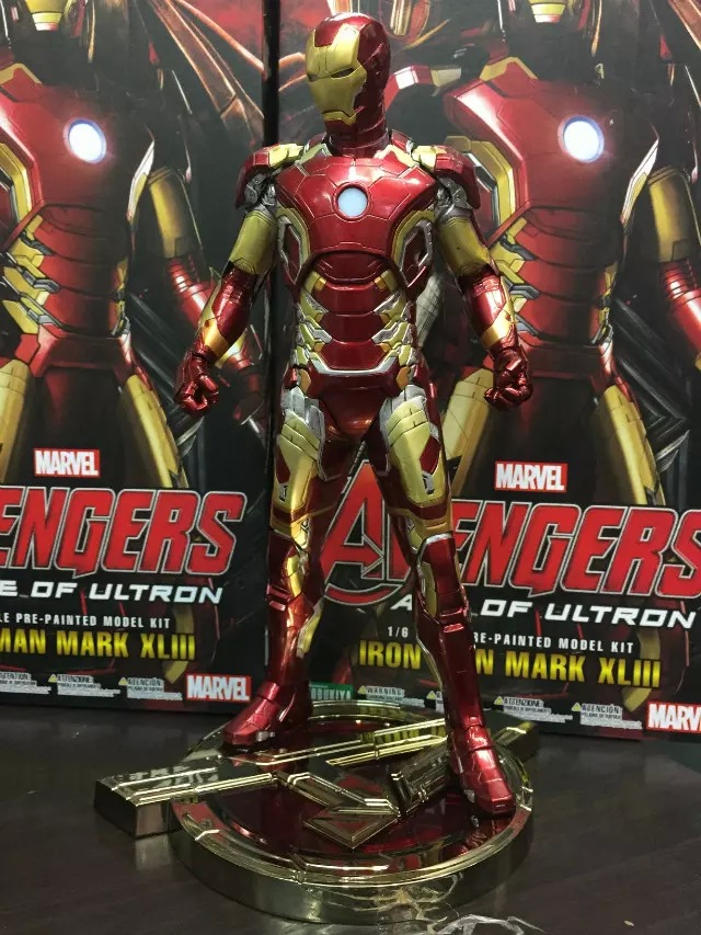 цена на Huong Movie 30CM Iron Man Mark XLIII 43 1/6 Scale Pre-painted Model Kit with LED Light PVC Action Figure Collectible Model Toy