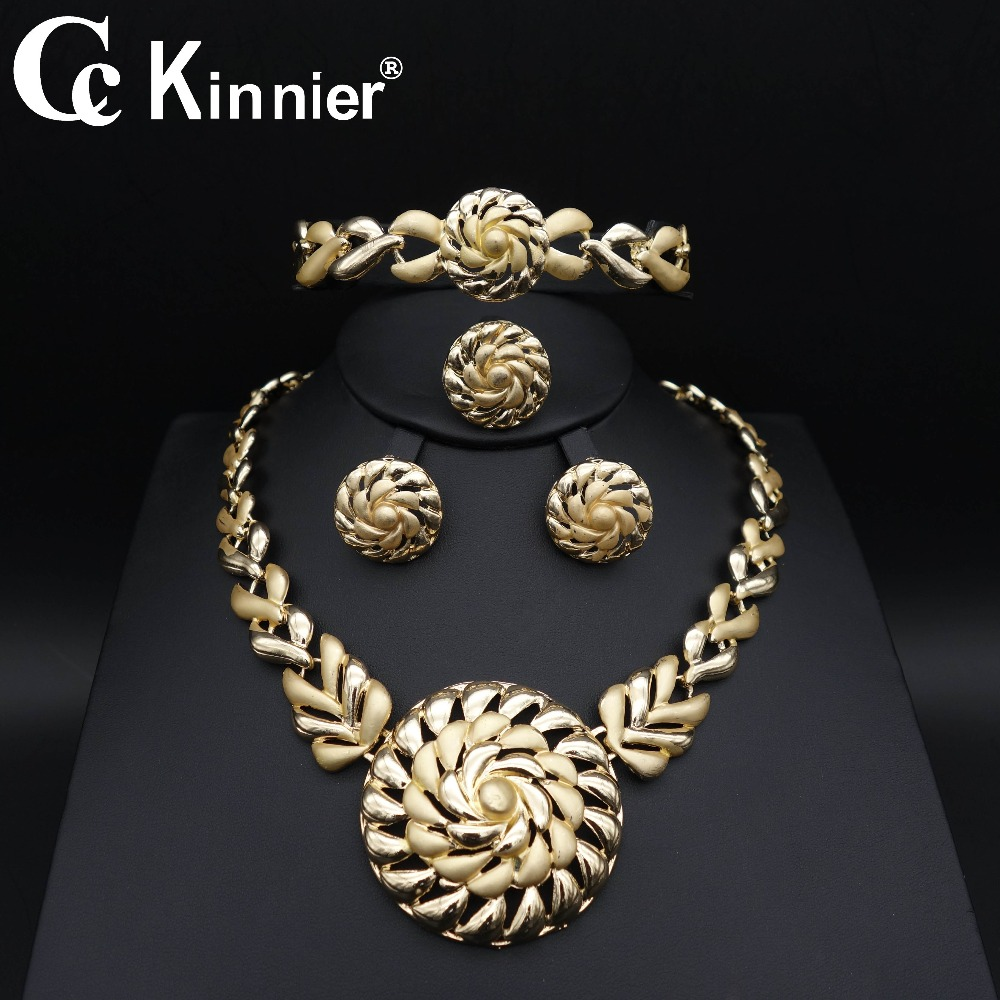 Brand Bridal Gift Dubai Gold Color Jewelry Set Costume Design Nigerian Wedding Fashion African Beads Jewelry Set Wholesale Rated