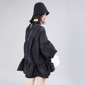 Image 5 - [EAM] נשים שמלה חדש Stand צוואר ארוך לנטרן שרוול Loose Fit הולו מתוך אישיות קפלים אופנה אביב סתיו 2020 JZ349