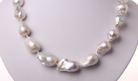 0001303 baroque white keshi reborn freshwater pearl necklace (A0322)0001303 baroque white keshi reborn freshwater pearl necklace (A0322)