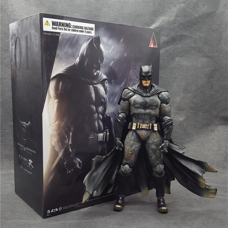 SAINTGI Juguetes DC Superman V Batman Comic Marvel The Dark Knight Mc Batman Super Hero Aptain PVC 25cm Predators play arts batman dark knight volume 3 mad