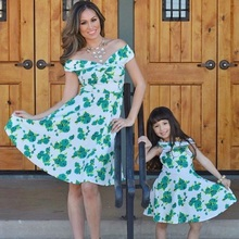 deep V mother daughter dress mommy and me clothes family matching outfits look mum mom daughter dresses clothes family clothing family matching flower red clothing mom and daughter dress clothes for mother me mommy outfits aile giyim setleri part dresses