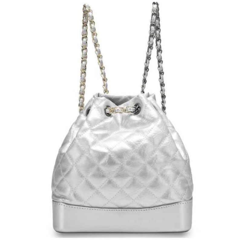 2019 yeni kadın sırt çantası hakiki deri küçük omuzdan askili çanta gümüş zincir çanta okul gençler için çanta tasarımcı sırt çantası kadın