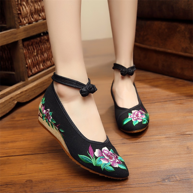 pointed old beijing flower embroidered women shoes mary jane flat heel denim chinese style. Black Bedroom Furniture Sets. Home Design Ideas