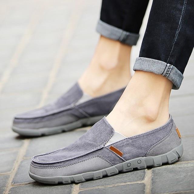 144b01a422e47 2018 New Fashion Men's Flat Wash Canvas Denim Shoes Loafers Croc Men  Breathable Slip-on