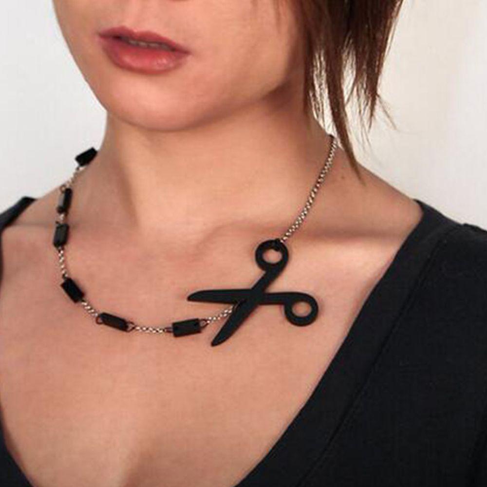 Couper le long de la ligne Pointillée Acrylique Femmes Rocker Ciseaux Pendentif Punk Collier