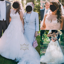 Ball Gown Jewel Neck Wedding Dresses Floor Length Lace Over Tulle Bride Gowns with Beading Plus Size Illusion Keyhole Back