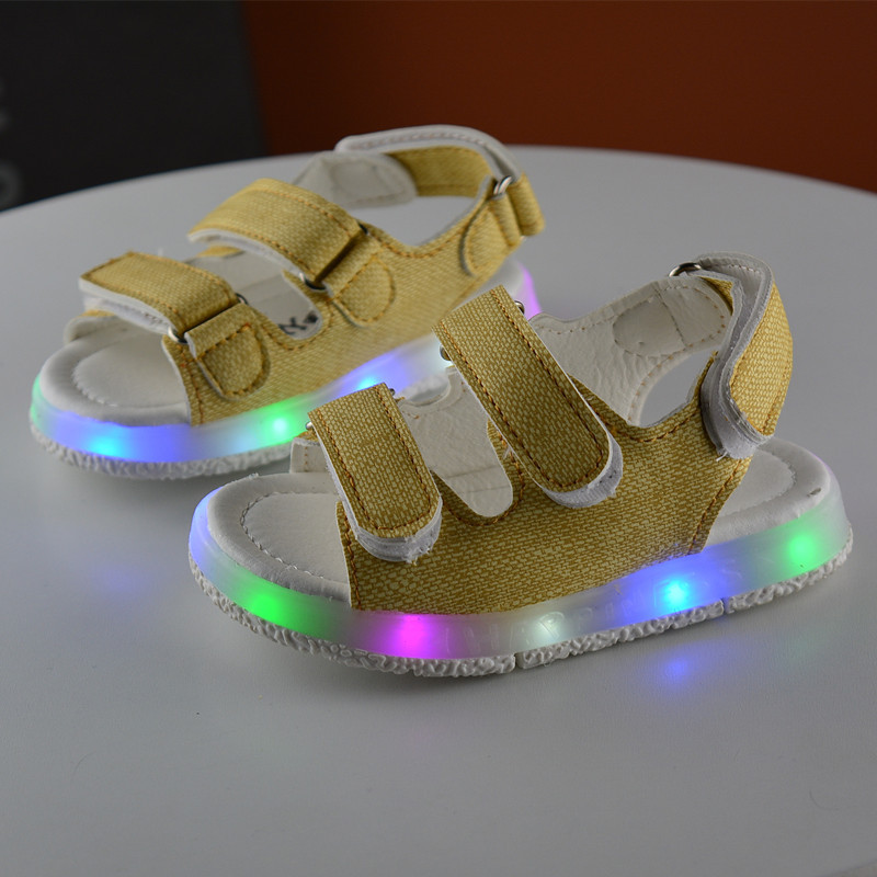 Kids Sports Sandals with light 2017 New Summer Colorful flashing Children luminous Shoes Girls LED shoes for Boys Sandal