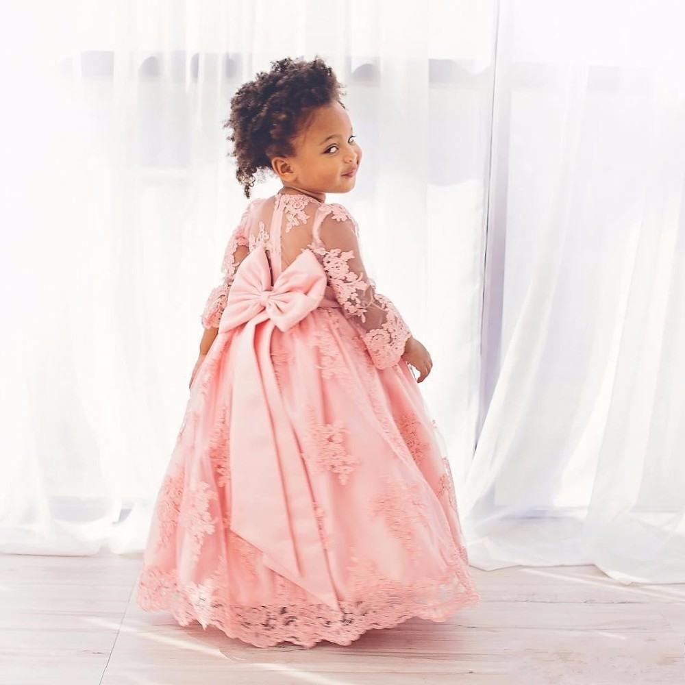 2017 Long Sleeves Flower Girl Dresses A Line Scoop Lace First Communion Dress Lovely Bow Bridal Girl Gowns Vestidos de Dresses new holy pink flower girls dresses a line lace appliques 2017 wedding girl wear first communion dress vestidos de long sleeves