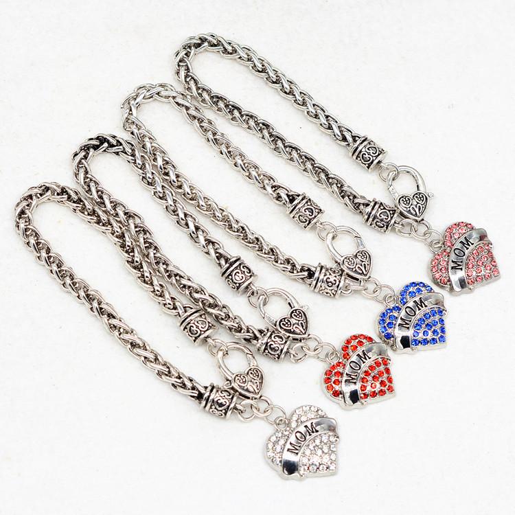 HTB1B.H PFXXXXalXFXXq6xXFXXXR - Bracelet with Heart Shaped Charm 'Mom'
