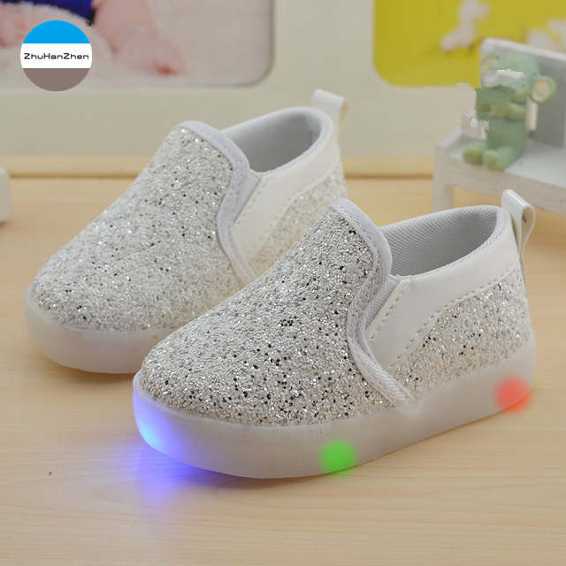 Online Shop 2018 glowing children shoes 1 to 6 years old baby boys and  girls fashion casual sports shoes kids sneakers LED lights shoes  85b37cf420cf