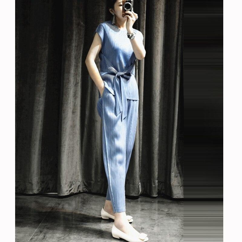 Changpleat verano 2019 nuevas mujeres conjuntos de dos piezas Miyak plisado moda diseño camiseta y pantalones sólidos de gran tamaño trajes femeninos-in Conjuntos de mujer from Ropa de mujer    1