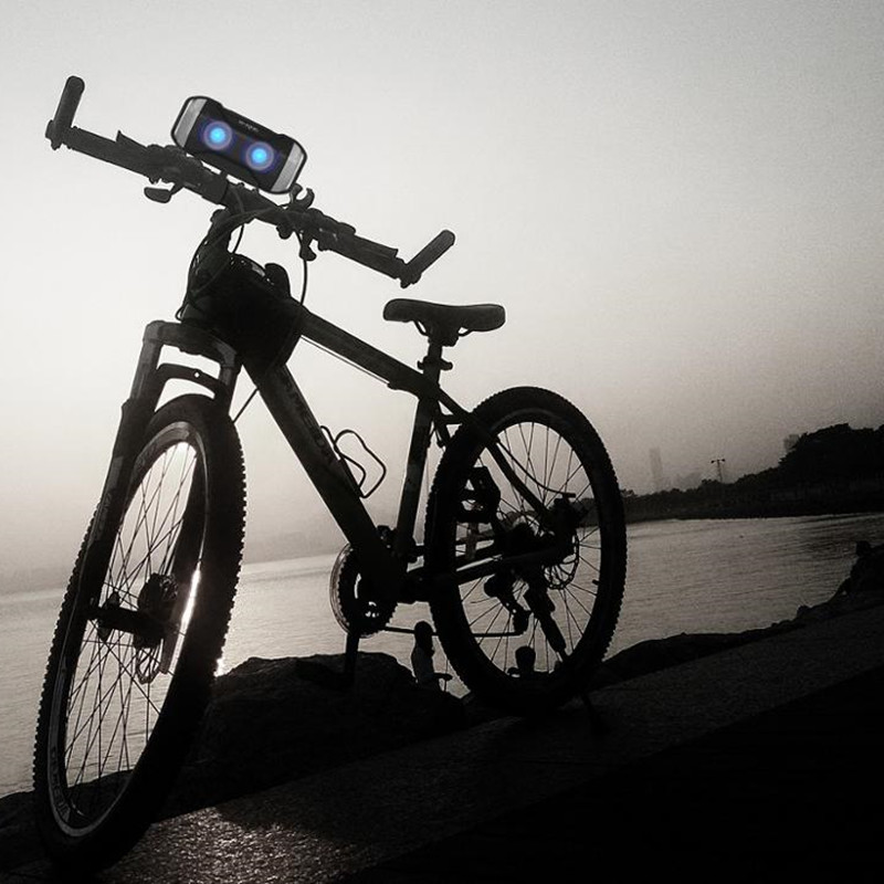 W-KING 10W Outdoor Bluetooth Speaker S21 Waterproof IPX5 Portable Wireless Bicycle Speaker With LED Light For Mobile Phones