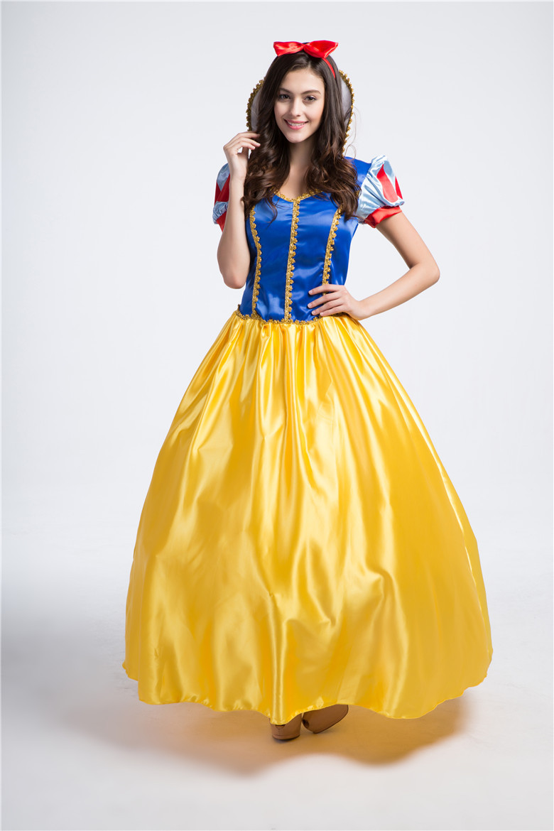 a92c1100a20 Halloween Deluxe Sexy Princess Snow White Costume Carnival Fantasia Party  Women Outfit Snow White Cosplay Fancy Dress