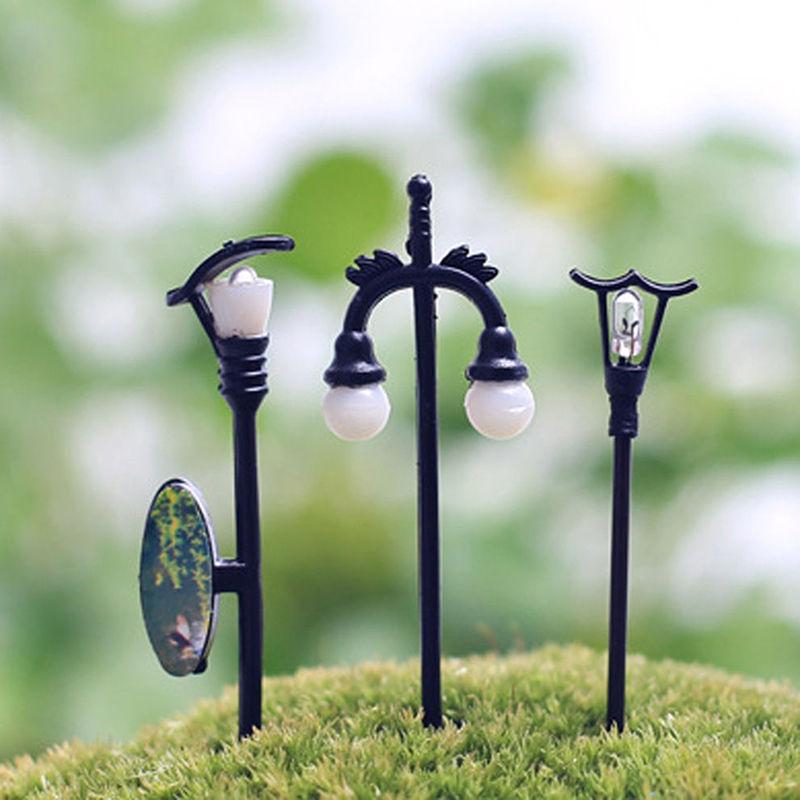 New On Sale Retail Mini Street Lamp Fairy Garden Miniatures Moss Terrariums Desktop Bottle Garden Resin Crafts Decor For Home