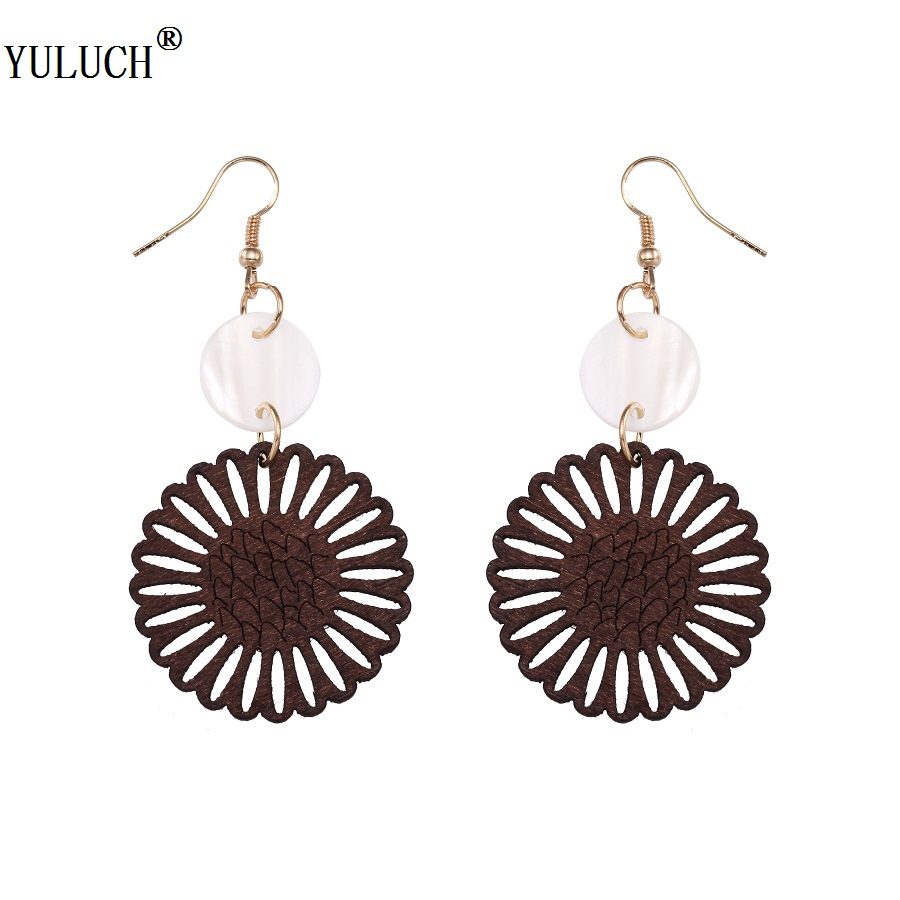 YULUCH 2018 New Design Wooden Earrings Handmade Hollow Flower Earrings Shell Accessroies Gold Hook Earrings For Woman Girls Prom